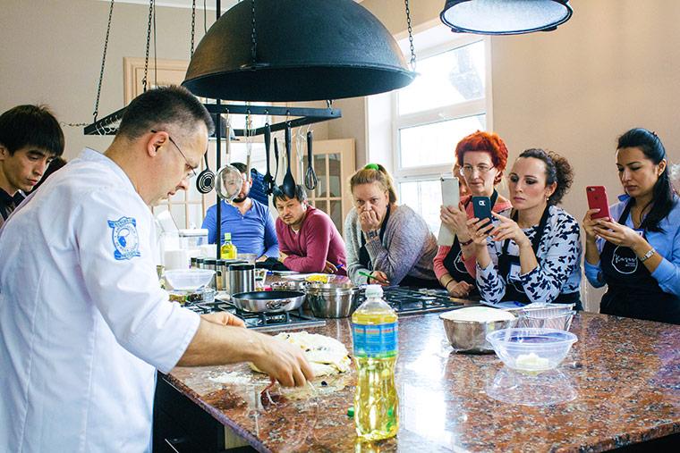 Хлеб - дело моей жизни: Специалист из Украины об узбекском хлебе и традициях