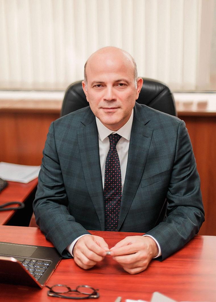 Орхан Сиврикая