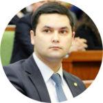 Элбек Шукуров